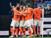 Die Niederlande erreichte bei Erzrivale Deutschland im Finish noch ein 2:2, das den Einzug ins Finalturnier der Nations League einbringt (Bild: KEYSTONE/AP/MARTIN MEISSNER)