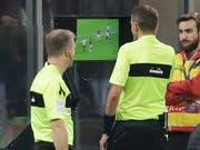 Kommt der Videobeweis in der Champions League schon im Frühling zum Einsatz? (Bild: KEYSTONE/AP/LUCA BRUNO)