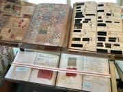 Textilbücher sind zum Beispiel als Kulturerbe schützenswert. Das Kulturerbe-Gesetz bezieht sich vor allem auf bewegliche Güter. (Bild: PD)
