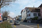 Die Tempo-30-Regelung auf der Grabenstrasse wird von CVP- und SVP-Kantonsräten hinterfragt. (Bild: Maria Schmid (Zug, 24. März 2016))