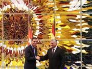 Der spanische Premierminister Pedro Sánchez (links) und Kubas Staatschef Miguel Díaz-Canel haben eine Vereinbarung für die Einrichtung bilateraler Konsultationen unterzeichnet. (Bild: KEYSTONE/EPA EFE/JUANJO MARTIN)