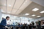 Bernhard Heusler erklärt vor den versammelten Medienvertretern seine Visionen. (Bild: Urs Lindt/Freshfocus (Bern, 24. November 2018))