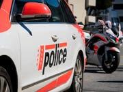 Die Polizei hat in einer Wohnung in Siders eine tote Person gefunden. (Bild: KEYSTONE/OLIVIER MAIRE)
