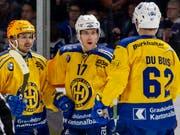 Die Davoser freuen sich über das 4:1 von Perttu Lindgren (Mitte) (Bild: KEYSTONE/PPR/PATRICK B. KRAEMER)