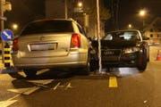 An den beiden Unfallautos entstand beträchtlicher Sachschaden.