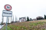 Die Ortseinfahrt von Römerswil. (Bild: Roger Grütter)