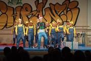 Der Nachwuchs hat sichtlich Spass an Bewegung und Choreografie. (Bild: Maria Schmid, Menzingen, 23. November 2018)