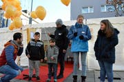 Stadtrat Dario Sulzer (links) hat ebenfalls am Aktionstag Kinderrechte teilgenommen. Bild: (Christoph Heer)