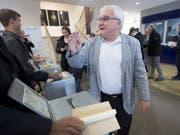 Moutiers projurassischer Stadtpräsident Marcel Winistoerfer wurde im Amt bestätigt. (Bild: Keystone/LAURENT GILLIERON)