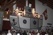 Kapitän Sorglos und seine Crew stehen an Deck. (Bild: Desirée Müller)