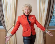 «Hotelkönigin» Ljuba Manz hat ihre Biografie veröffentlicht. (Bild: Urs Bucher)