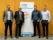 FDP-Präsident Christian Lippuner, FDP-Kantonsrat und Nationalratskandidat Beat Tinner sowie Evatec-CEO Andreas Wälti und CTO Marco Padrun bei der Veranstaltung der FDP Werdenberg in Trübbach. (Bild: PD)