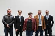 Sie verabschieden sich auf Ende Jahr aus dem Gemeinderat Schattdorf (von links): Reto Jäger, Urban Renggli, Rebecca Indergand, Rolf Zgraggen (Präsident) und Roman Walker (Bild: Markus Zwyssig, Schattdorf, 26. November 2018)