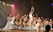 Sterntaler heisst das Märchen, das von der Tanzjugend 1 verkörpert wurde. (Bild: Peter Jenni)