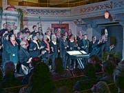 Der Gospelchor Singing4you gab unter der Leitung von Dietmar Siegmund einmal mehr ein wunderbares Konzert. (Bild: Ulrike Huber)