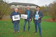 Baukomissionspräsident Armin Huber, Primarschulpräsident Thomas Wieland und Schulleiter Jean-Philippe Gerber. (Bild: Mario Testa)