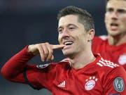 Bayern München im Torrausch: Der Pole Robert Lewandowski erzielte zwei Treffer zum 5:1 gegen Benfica (Bild: KEYSTONE/AP/THOMAS SCHMIDTUTZ)