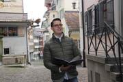 Stefano Bertoni wohnt in der Altstadt Lichtensteigs und ist seit August Leiter der Kantorei Toggenburg. (Bild: Cecilia Hess-Lombriser)