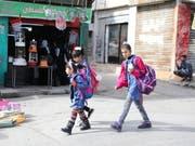 Sind von Hilfsgeldern des Uno-Palästinenserhilfswerks abhängig: Schulkinder im Flüchtlingslager Whedat nordöstlich der jordanischen Hauptstadt Amman. (Bild: KEYSTONE/EPA/ANDRE PAIN)