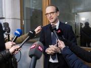 «Diese Affäre dauert schon viel zu lange», sagt der Präsident der FDP Genf, Alexandre de Senarclens. (Bild: Keystone/JEAN-CHRISTOPHE BOTT)