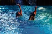 Das Publikum der traditionellen Gala-Show des SC Flös darf sich auf attraktive Wassertänze freuen. (Bild: Robert Kucera)