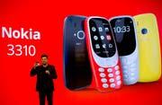 Arto Nummela, CEO von HMD Global, has been using Nokia. (Bild: Emilio Morenatti / Keystone (26. Februar 2017))