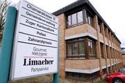 Der Polizeiposten in Hünenberg wird nun doch nicht geschlossen. Bild: Werner Schelbert, 14. April 2016)