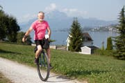 Hans Howald (69) aus Küssnacht mit seinem Einrad «Berta». (Bild: Sonja Ruckstuhl)