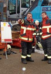 Stefan Nagel (links) war in der Feuerwehr, um sich sinnvoll für die Gesellschaft zu engagieren. (Bild: PD)