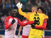 Salzburgs Spieler feiern ihren Erfolg gegen Leipzig (Bild: KEYSTONE/AP/KERSTIN JOENSSON)