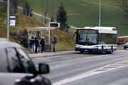 Die Bushaltestelle Talacher soll als Umsteige-Knotenpunkt weiteroptimiert werden. (Bild: Stefan Kaiser (Baar, 5. Februar 2018))