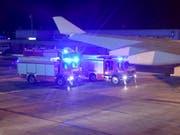 Ein Blick aus der Regierungsmaschine Angela Merkels, die am Flughafen Köln Bonn nach einer schweren Flugzeugpanne landen musste. Merkel war auf dem Weg zum G20 Gipfel in Argentinien. (Foto: Clemens Bilan/EPA) (Bild: KEYSTONE/EPA/CLEMENS BILAN)