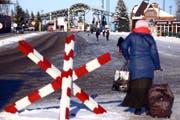 Checkpoint an der Grenze zwischen Ukraine und Russland. Bild: Pavlo Pakhomenko/AP (30. November 2018)
