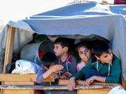 Die Schweiz will vermehrt anerkannte Flüchtlinge direkt aus Krisengebieten aufnehmen. (Bild: KEYSTONE/EPA/NABIL MOUNZER)