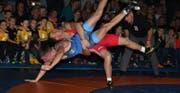 So wie Sergiy Sirenko (hinten) wollen die Kriessner ihre Gegner im Griff haben. (Bild: dip)