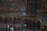 Das Königliche portugiesische Kabinett des Lesens ist seit 1900 öffentlich zugänglich.(Bild: Carl de Souza/Getty Rio de Janeiro, 19.November 2018)