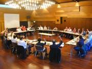 Auch im 2004 abgeschafften Stadtparlament von Rorschach waren die Frauen in der Minderheit. (Bild: Rudolf Hirtl; Dezember 2004)