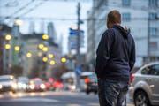Seine Krankheit wird ihn ein Leben lang quälen: Markus Imfeld am Pilatusplatz in Luzern. (Bild: Dominik Wunderli, 20. November 2018)
