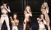 Die britischen Spice Girls (v.l.n.r.: Sporty, Posh, Ginger, Scary and Baby) während einem Auftritt in Spanien. (Bild: Victor Lerena/EPA (Madrid, 23. Dezember 2007)