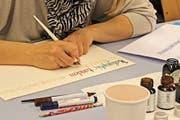 Einblick in einen Kalligrafie-Kurs des Vereins «Weiterbildung Appenzeller Mittelland». (Bild: PD)
