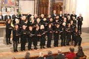 Zuerst wurden durch den Kammerchor Wil fünf Werke von Paul Huber gesungen.