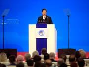 Mehr Importe und verbesserter Marktzugang: Das versprach Chinas Präsident Xi Jinping am Montag in einer Rede zur Eröffnung der ersten internationalen Importmesse CIIE in Shanghai. (Bild: KEYSTONE/AP POOL Reuters/ALY SONG)