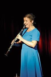 Überraschend vielseitige Performerin: Lisa Brunner an der Klarinette. (Bild: Heinz Schluep)