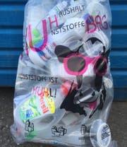 Im Kuh-Bag werden Kunststoffverpackungen und Tetrapacks gesammelt. (Bild: pd)
