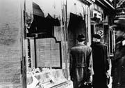 Während der Novemberpogrome wurden jüdische Geschäfte zerstört und rund 400 Menschen ermordet. (Bild: Getty (Berlin, November 1938))