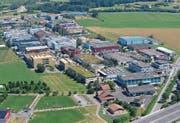 Blick auf das Industriegebiet Bösch in Hünenberg.Archivbild: Stefan Kaiser (1. Juli 2015)