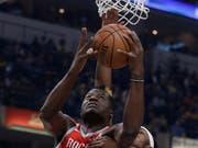 Houstons Clint Capela zieht wuchtig zum Korb (Bild: KEYSTONE/AP/DARRON CUMMINGS)