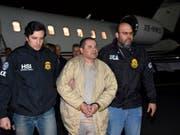 In New York hat der Prozess gegen den Joaquin «El Chapo» Gusman begonnen. Laut Anklage war Guzman der Chef des mexikanischen Sinaloa-Drogenkartells. (Foto: US. law enforcement via AP, Archiv) (Bild: KEYSTONE/AP U.S. law enforcement)