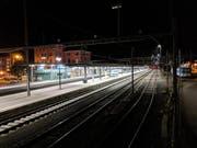 Aufgrund der Sperrung durch die Polizei und Feuerwehr war der Bahnhof Arth-Goldau während knapp zwei Stunden wie verlassen. (Bild: Geri Holdener/Bote der Urschweiz (Arth-Goldau, 6. November 2018))
