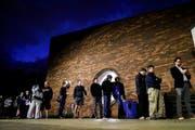 Wähler vor dem Wahllokal beim Tuttle Park Recreation Center in Columbus, Ohio. (Bild: JOhn Minchillo/AP (Columbus, 6. November 2018))